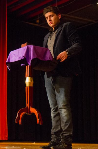 Gianfranco vous propose un spectacle sur scène unique dans toute la suisse !